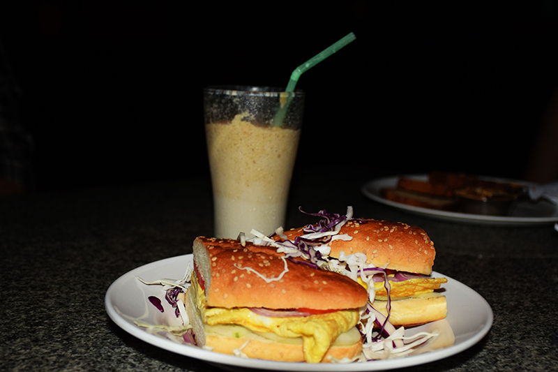 Omlet sandwich with hazelnut shake