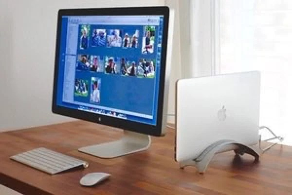 Suft. MacBook 縦置きスタンド
