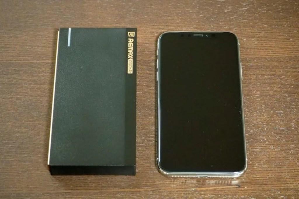 RePowerとiPhoneXのサイズ比較