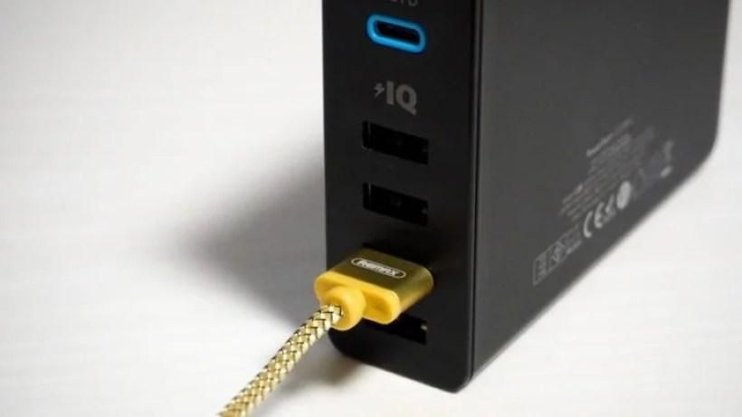 USB-Aコネクタ