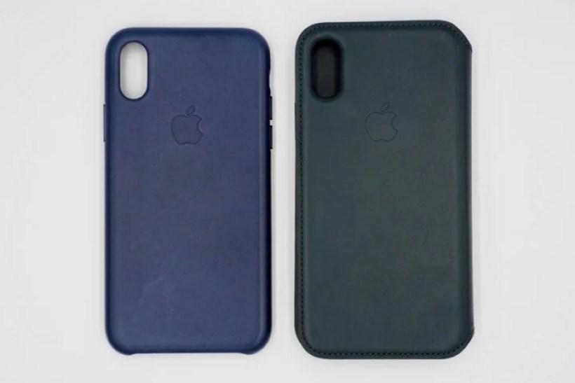 左からApple純正「レザーケース」と「レザーフォリオ」