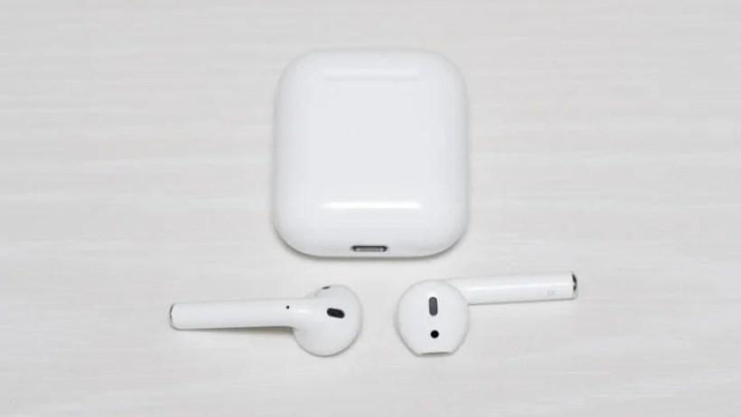 Apple純正完全ワイヤレスイヤホン「AirPods」