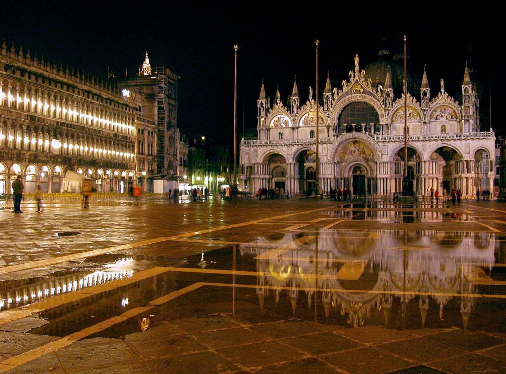 Mediterranean-Muse-Venice-LiWBF-MorgueF