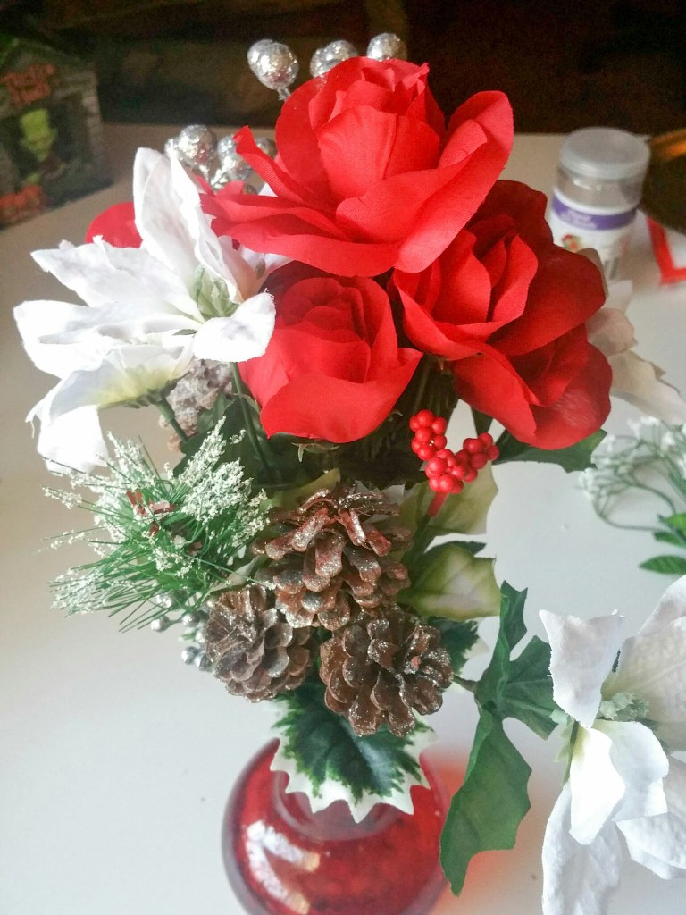 Super-Cute-Holiday-Bouquet-Number-Five-LiWBF