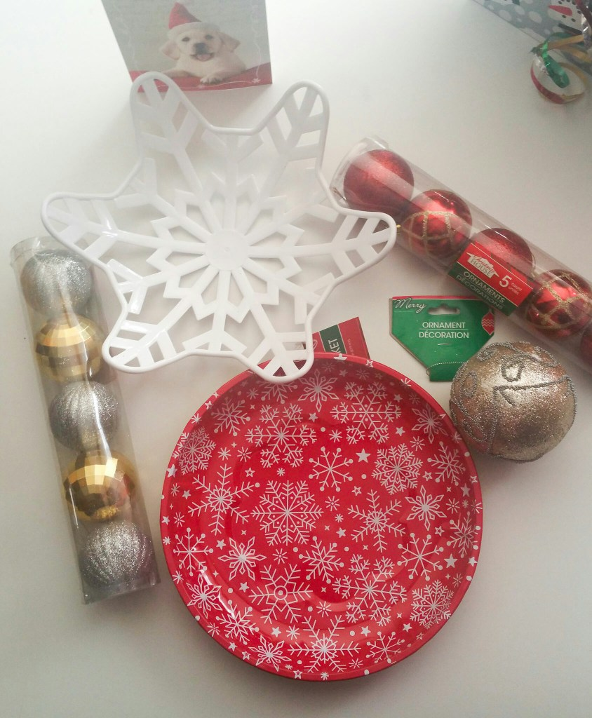 Super-Quick-and-Easy-Holiday-Snowflake-Centerpiece-2015-One-LiWBF