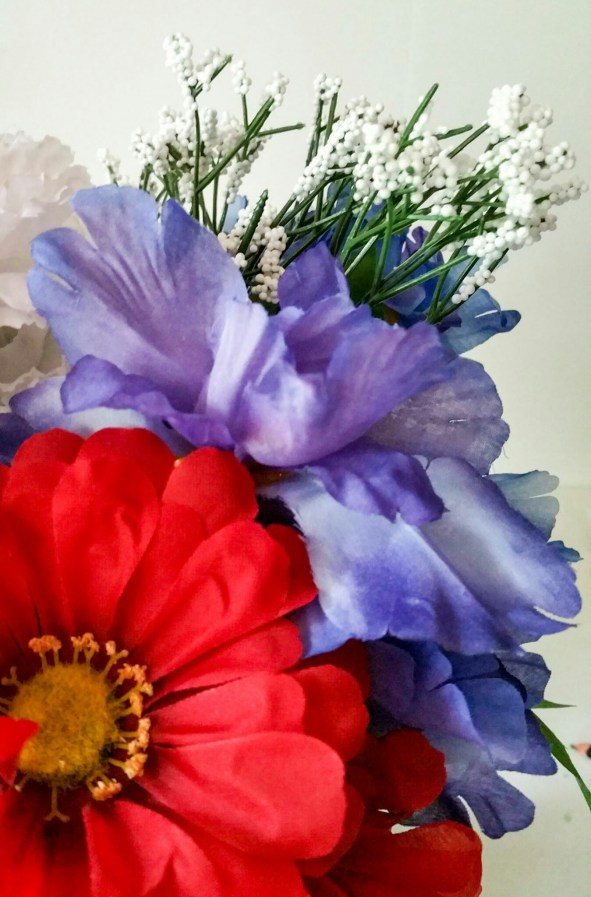 Embrace-the-Soldier-Memorial-Day-Holiday-Bouquet-Ten-LiWBF