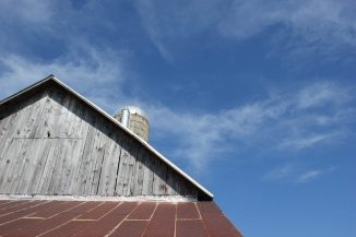 blue sky and barn in leelanau