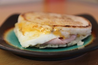 IMG_7121_Trishs Dishes Breakfast Sandwich_Bayside Cofee Suttons Bay_food photographer Raquel Jackson