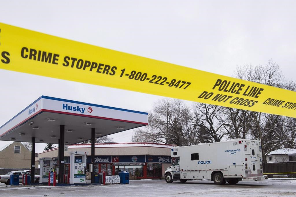 Two people killed two Edmonton convenience store workers on same night: Crown