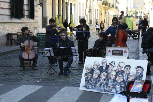 entertainment in the San Telmo markets...