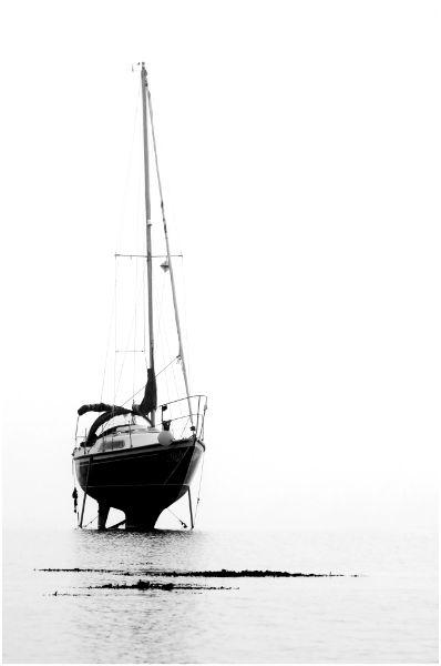 dsc_6168 holy island yacht bw 600px