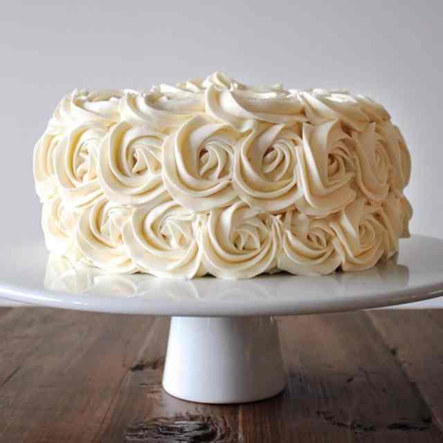 Simple Vanilla Buttercream (American Buttercream Recipe)