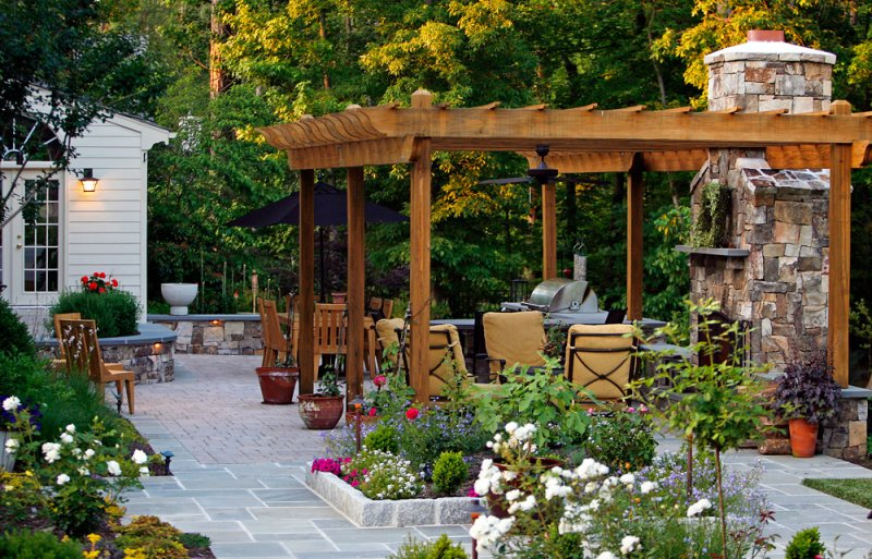Creating an Outdoor Living Space on Garden Living Space id=82298