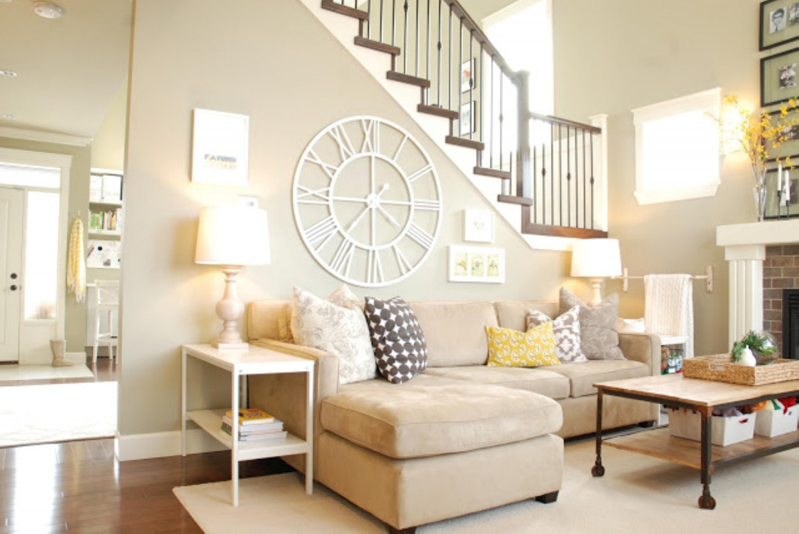Tips for choosing the right lamp for every room on Wall Decor For Living Room  id=56311