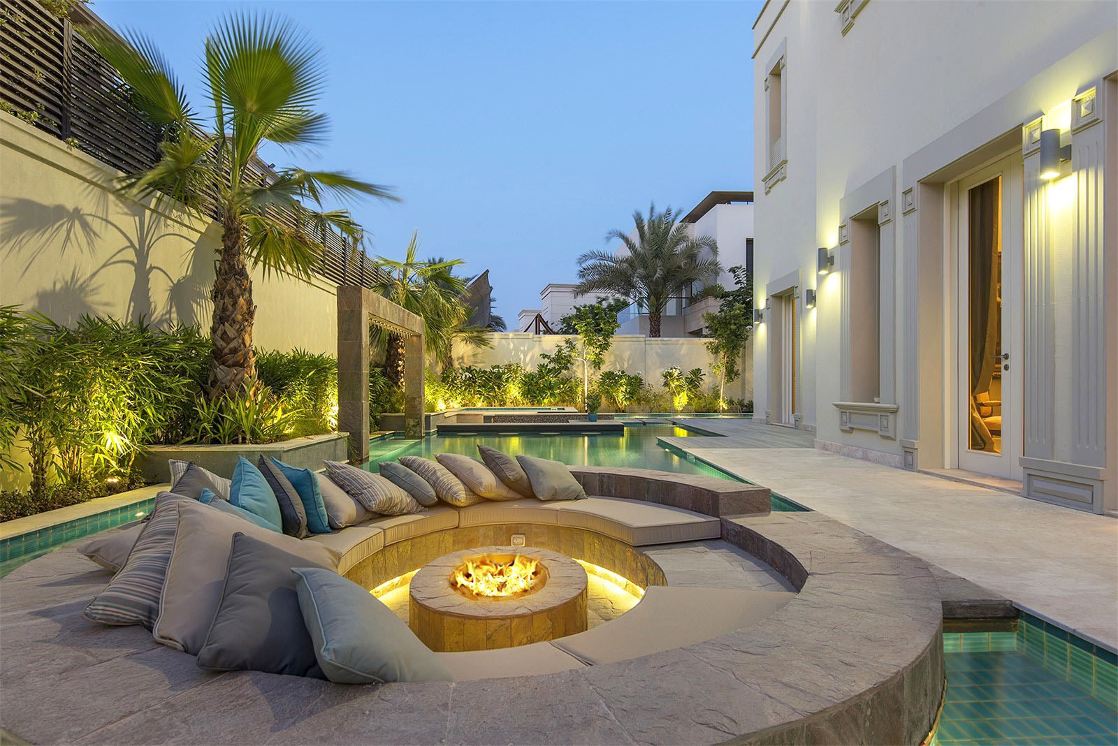 Patio Ideas to Make Your Backyard the Ideal Summer Escape on Luxury Backyard Design id=66969