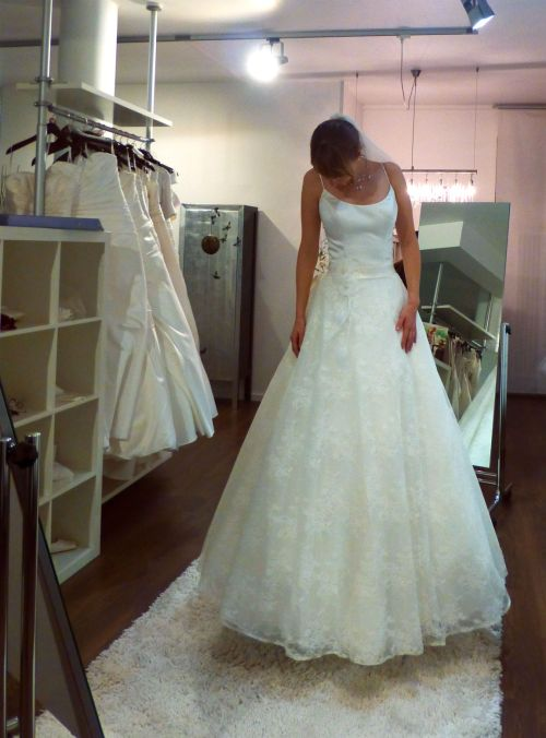Lovely wedding dress # 2