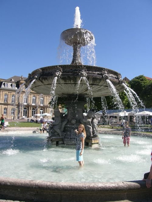 Refreshing yourself under the fountain in Stuttgart