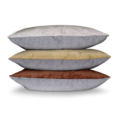 Aspegren-cushion-velvet-solid-stacked-2-web