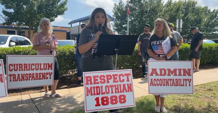 Racist Parents In Midlothian Lash Out And Bring Terrorists To ISD Meeting