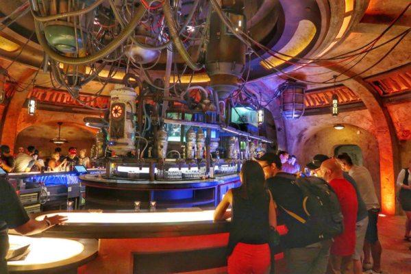 Oga's Cantina STAR WARS GALAXY'S EDGE IN WALT DISNEY WORLD