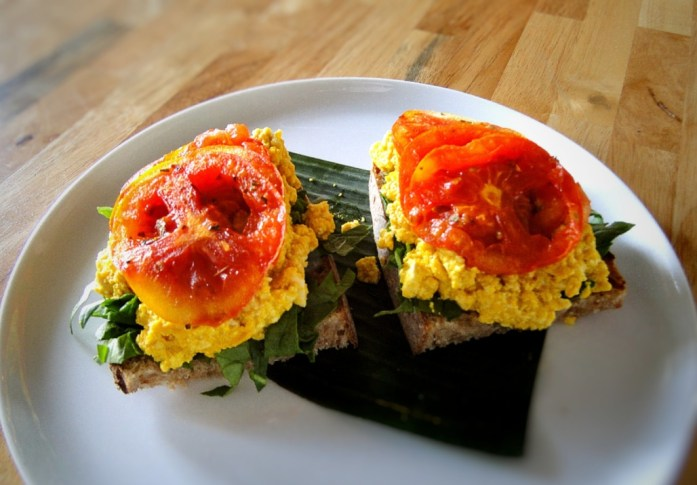 Scrambled Tofu 'Egg' Toast (Scrambled Tofu 'Egg', Grilled Tomato, Fresh Spinach)