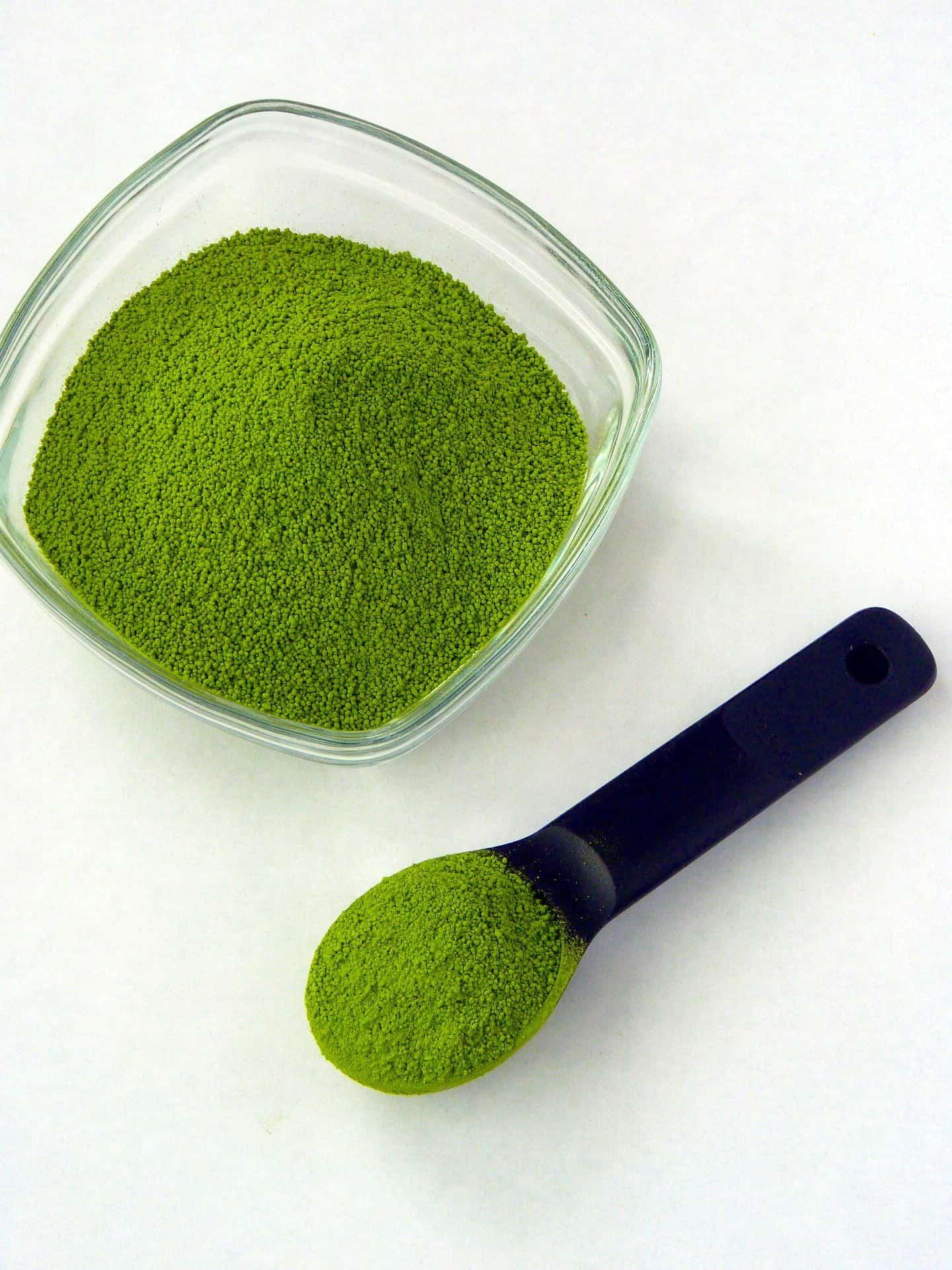 matcha powder smoothie
