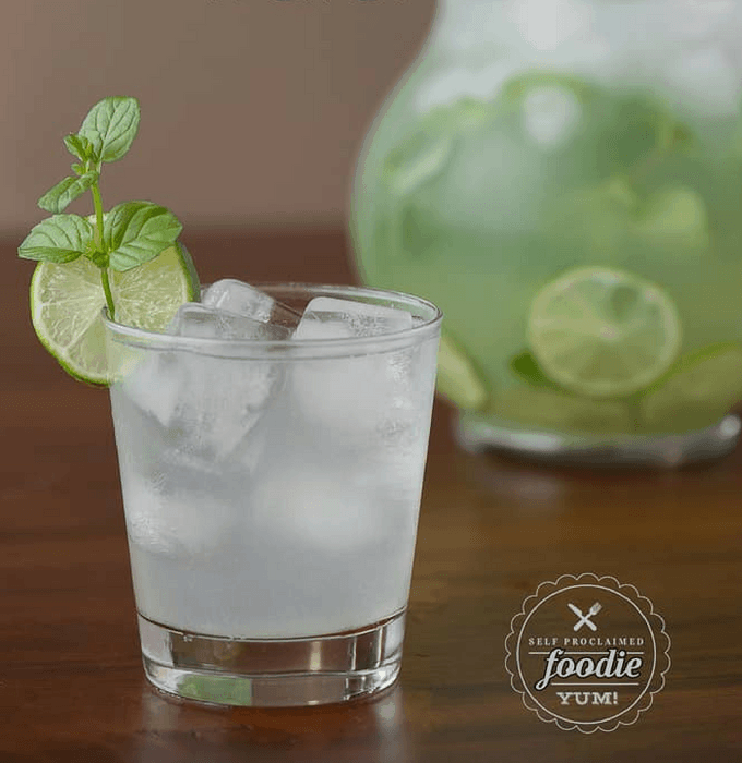 Lime Detox Water to Lose Weight