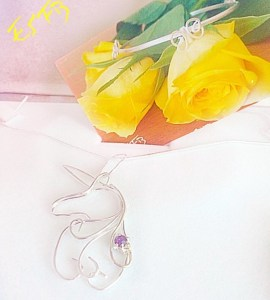 Looking for a gift for the daring dreamer in your life? This unicorn pendant handmade by Lea's shop Everyone Should Feel Beautiful is a gorgeous idea!