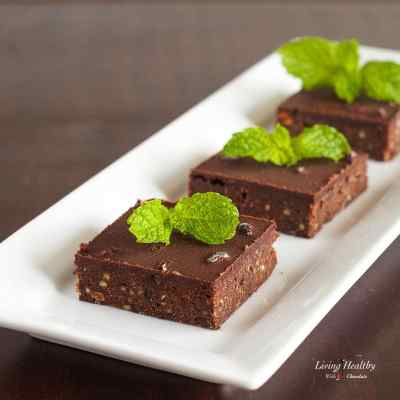 Paleo No Bake Fresh Mint Dark Chocolate Brownies