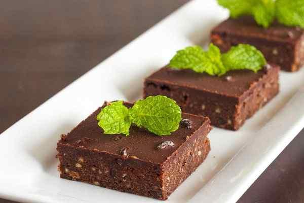 Paleo-No-Bake-Fresh-Mint-Dark-Chocolate-Brownies2