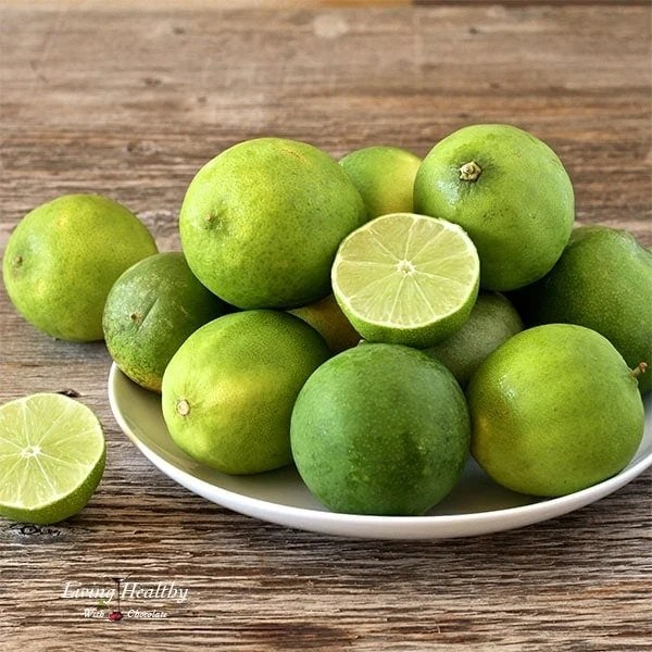 Paleo-Key-Lime-Pie-Bars-limes