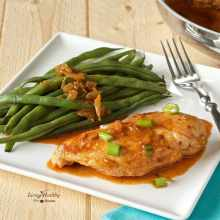 Skillet Chicken with Spicy Paprika Sauce (Paleo, gluten-free) by #LivingHealthyWithChocolate
