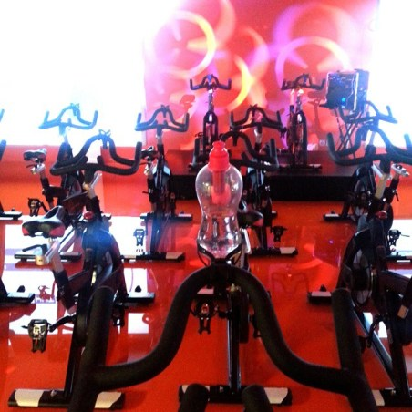 Aulas no Fitness Hut, de Cycling