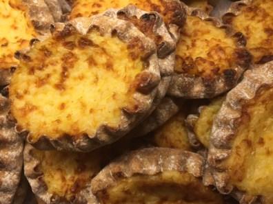 finnish-snack-karjalanpiirakka-bulevardi
