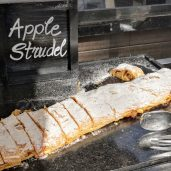 Oktoberfest Champion's Tavern - Apfelstrudel