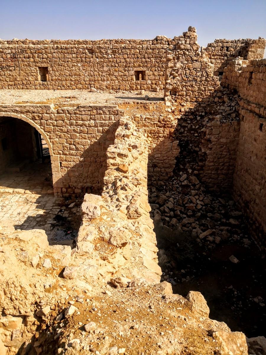 Qasr Al-Dab'ah - inside