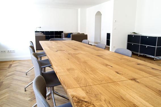 eiche gar nicht rustikal living in owl. Black Bedroom Furniture Sets. Home Design Ideas