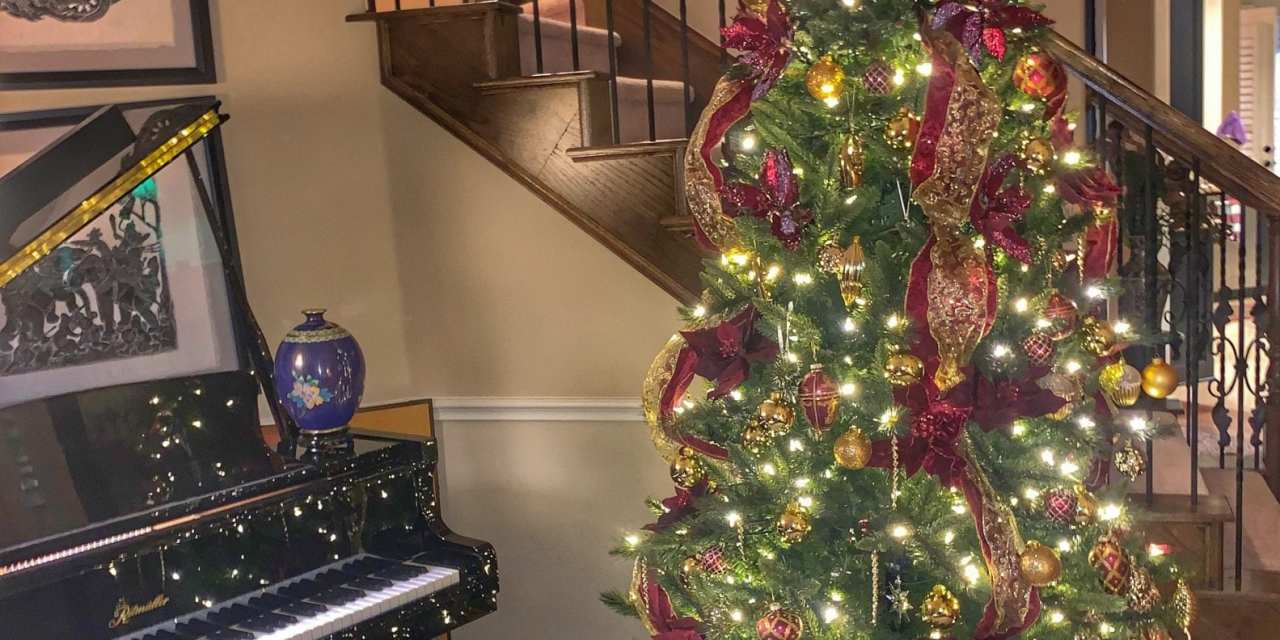 Decorating for Christmas…Early!