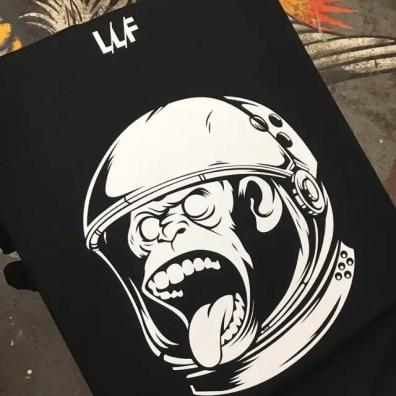 LIVING LIFE FEARLESS Team Tee in Black