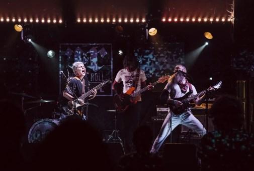 Fuzz Queen - Rock & Roll Hotel | LIVING LIFE FEARLESS