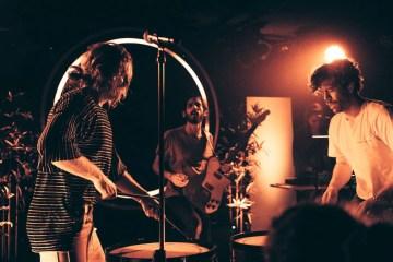FRENSHIP : Rock & Roll Hotel | Photos | LIVING LIFE FEARLESS