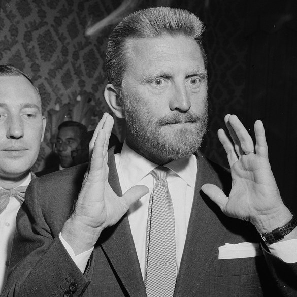 Kirk Douglas died aged 103, left a legacy deeper than his iconic roles | News | LIVING LIFE FEARLESS