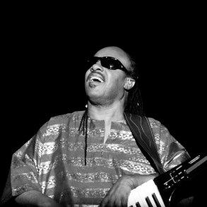 After 15 years of absence, Stevie Wonder releases two new songs | News | LIVING LIFE FEARLESS