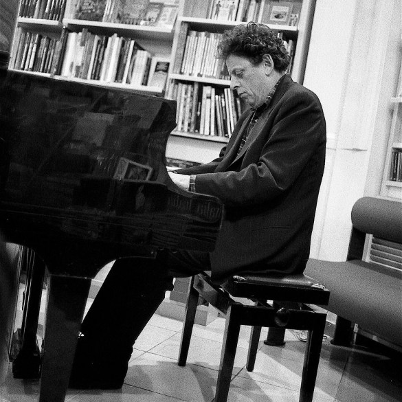 Landmark Performances from Philip Glass' Days and Nights Festival available to stream | News | LIVING LIFE FEARLESS
