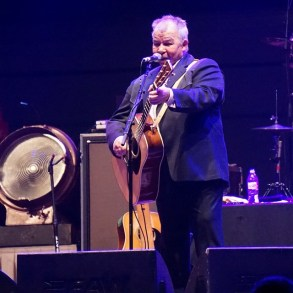 John Prine's record label celebrates 40 years with a documentary   News   LIVING LIFE FEARLESS
