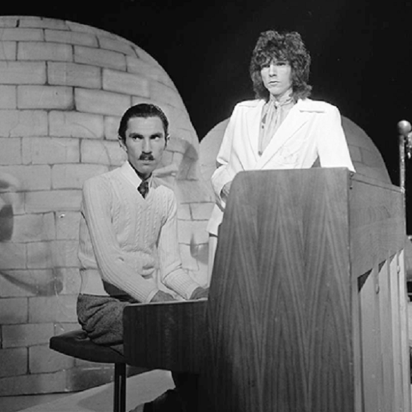 A new documentary takes a look at Sparks, one of music's enduring cult favorites | News | LIVING LIFE FEARLESS