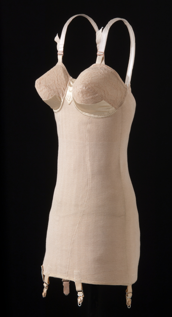 The Munsingwear Foundette, c. 1939. MNHS Collections, 1984.112.11.