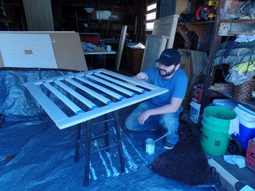 Painting the side rail. We did the slats SW Pure White and the frame Dorian Grey.