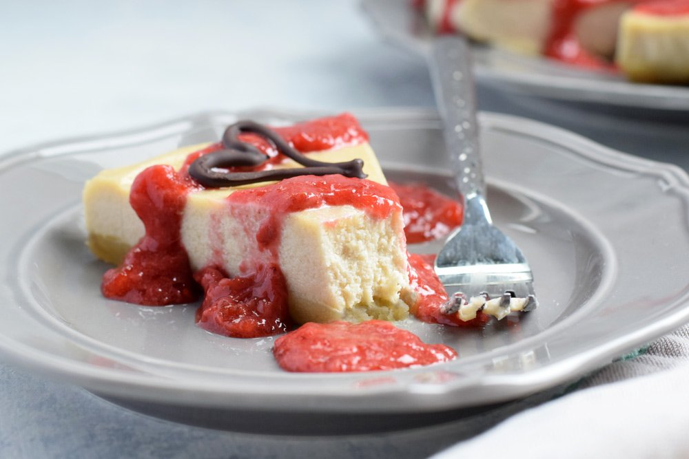 Dairy-free Strawberry Cheesecake (No-bake!)