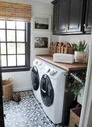40+ beautiful rustic laundry room design ideas for your home (39)